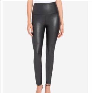 Lysse Black Faux Leather Leggings Size Medium